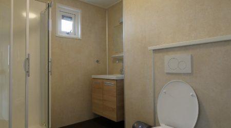badkamer-links-boven-vvp-verhuur-aangepast (531x800)